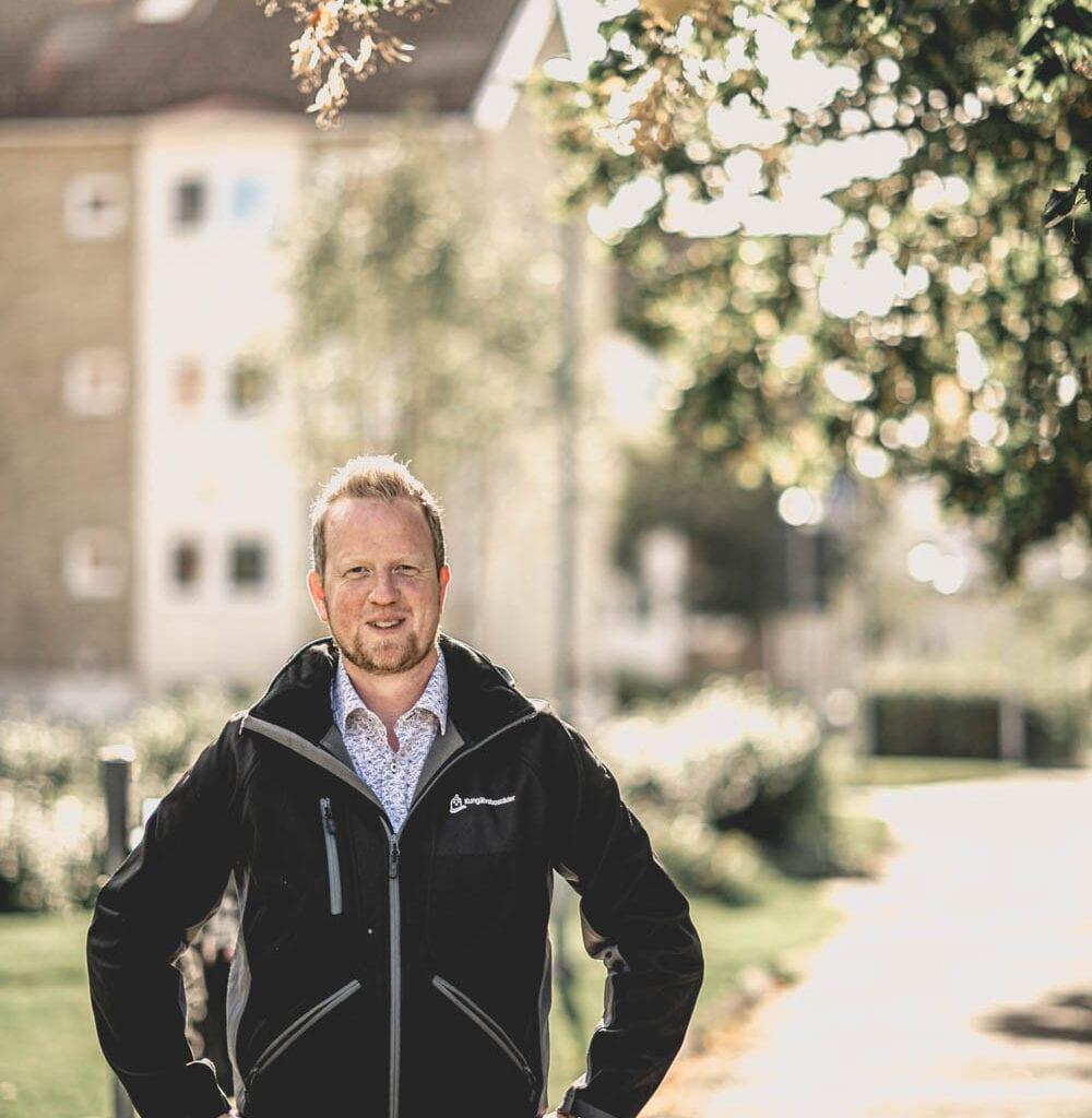 Andreas Lindberg arbetar med underhållsplaner på Kungälvsbostäder
