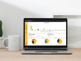 Laptop med webbtjänsten Planima på skärmen, visar nyckeltalet Underhållsskuld