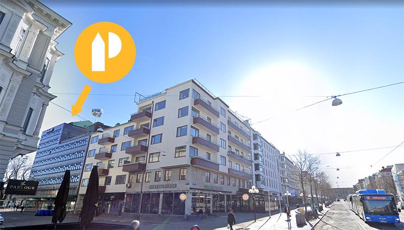 Gatubild på Kungsportsavenyn i Göteborg där Planimas nya kontor är markerat.