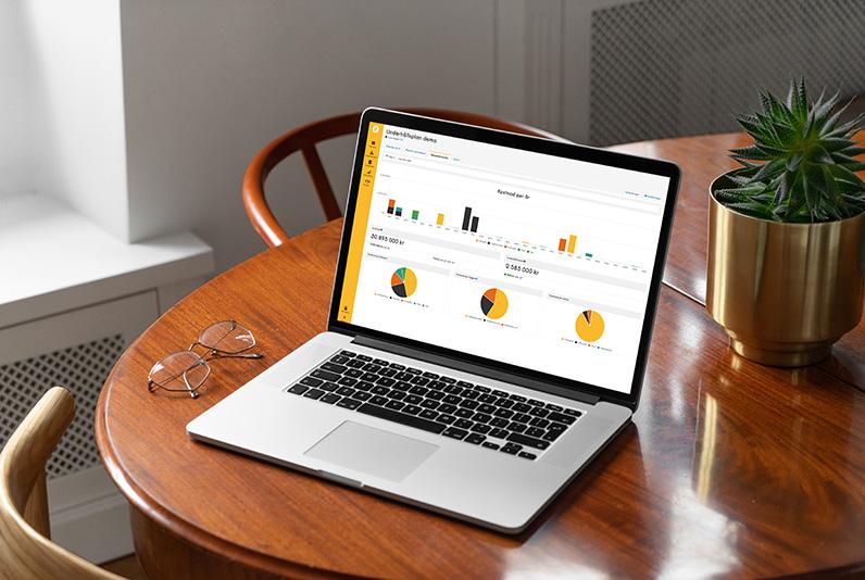 Laptop som visar underhållsplan i Planima